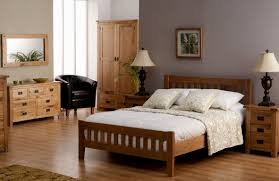 bedroom decorating ideas light colored wood furniture