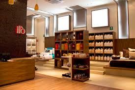 Amazing Retail Store Interior Design Decorating Idea Inexpensive .