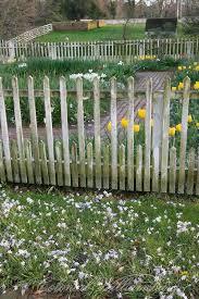 diy garden fence ideas to keep your