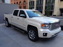 2014 Sierra Denali 1500 4WD Crew Cab: Big as Its Name - Mandatory