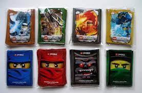 Lego Ninjago Trading Card Game - 240 Hüllen - Kartenhüllen mit Motiv Zane  Cole Jay Kai Lloyd Garmadon Rot Blau Grün Schwarz Sleeves für Karten Neu 8  Set a 30 Hüllen: Amazon.de: Spielzeug