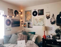 Indie Bedroom Simple Decorating