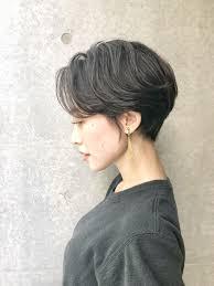 髪色に悩む女性必見明るめ暗めまでチャレンジしやすい冬カラー特集