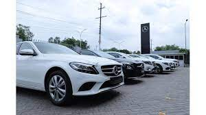 Mercedes benz opens new dealership global star in delhi the new showroom includes a combination of spatial design, innovative advisory processes and the introduction of digitalization in advice, sales and service to ensure the best customer experience. Mercedes Benz Delivers 550 Cars During Navratri And Dassehra Period Cartrade