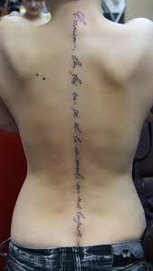 тату на грудной клетке женские женские татуировки на груди
