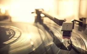 picture macro vinyl record player