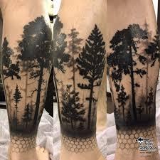 тату блэкворк лес на голени вкруговую тату блекворк лес на ноге