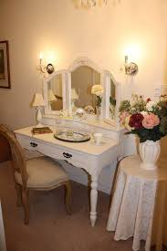 Vanity Table And Chair Set Simple White Small Wooden Antique Vanity Table Design With Elegant