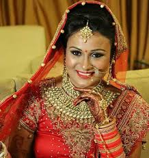 services offered by gunjan mongia artist in delhi are bridal makeup