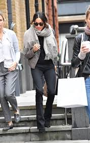 Meghan Markle spotted Christmas shopping in London   Daily Mail Online