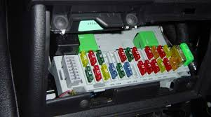 how to change a fuse motorama remove fuse from car fuse box motorama brisbane moorooka springwood browns plains hillcrest new used demonstrator demo car sales service specials