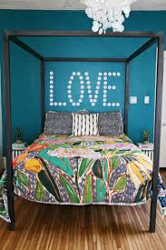 ideas to decorate your walls with ht cool what to put on your wall in your bedroom