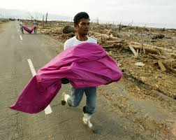 remembering the tsunami in banda aceh the times  2004 residents of leupung in s aceh province carry victims of the dec 26 2004