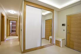 white and clear mirror sliding wardrobe doors