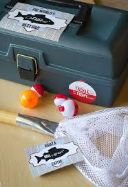 Father's Day Fishing gift with free printables. Tackle box full of fishing-themed  goodies