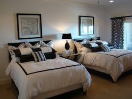 Monochrome Guest Bedroom with Twin Beds. Guest Room ideas