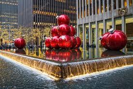 Großen Christbaumschmuck In Einem Brunnen Im Rockefeller