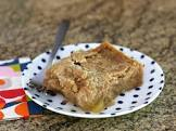 applesauce dump cake with spiced dusting sugar