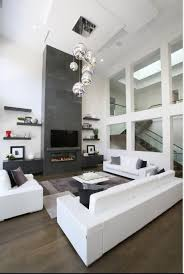 Superb Salon Lumineux Avec Une Grande Hauteur Sous Plafond