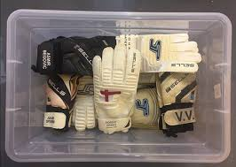 Sells Goalkeeper Gloves Sale