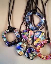 learn how to make beautiful fused glass pendants in this intro to glass jewelry class we will explore some of the techniques of kiln formed glass and