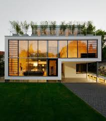 Decorations:Modern Minimalist House With Roof Terrace Louver Windows  Exterior Design Idea Outdoor Terrace Roof