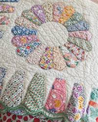 Best 25+ Vintage quilts ideas on Pinterest | Quilt patterns ... & By far, my most favorite quilt find ever! Look at the edging! Dresden Plate PatternsVintage  Quilts ... Adamdwight.com