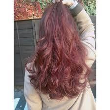 優しげな印象のピンクベージュのヘアカラーがトレンド Hair