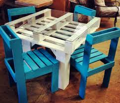 #1  DIY Pallet Furniture Table & Chairs Set