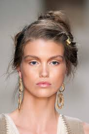 Ferretti Sfilata Primavera Estate 2016 Cosmopolitan It Hair