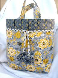 4053 best Fab Fabric Bags images on Pinterest | Patchwork ... & Free Quilted Tote Bag Pattern Adamdwight.com
