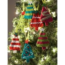knitted-tiny-trees-christmas-ornaments. Free pattern: link