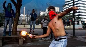 Resultado de imagen para terroristas en venezuela son reprimidos