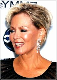 Short Hairstyles For Over 50 Ladies
