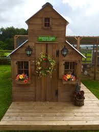 Lovely New Chicken Coop Decor Ideas   Home Decorating Ideas LZ75