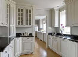 kitchen cabinets crown molding lovely inspiration ideas 8 cabinet rh homesbyemmanuel com baseboard and crown molding kitchen cabinet paint colors