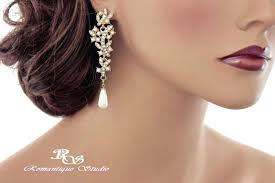 pearl chandelier bridal earrings gold pearl and crystal earrings bridal chandelier earrings ivory pearl wedding earrings pearl chandelier bridal earrings