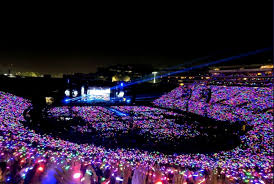 Coldplay Energizes The Rose Bowl On A Head Full Of Dreams
