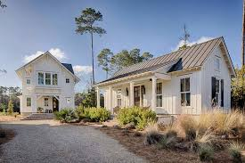 Mini Farm House Design Inviting Modern Farmhouse Cottage For Family Living In South