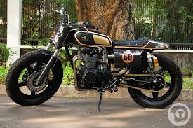 black bomber cb450 flat tracker return of the cafe racers