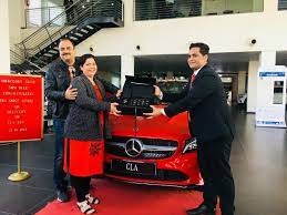 Welcome to drivespark's comprehensive dealer locator to help you find authorised mercedes benz showrooms/dealers in lucknow. Srm Star On Twitter Welcome Mr Amar Nath Singh To The Star Family Https T Co 7oo2b2vn3c Srmstar Mercedesbenz