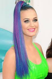 HOT HUES TEMPORARY HAIR CHALK COLOR - A MUST HAVE!!!!! was sold for R17.00  on 4 Oct at 14:01 by Rose Collection in Pietermaritzburg (ID:115541842)