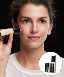 minimal matte makeup with light contouring is a fresh alternative to spring s usual shimmery luminescent makeup and although this is a no makeup look