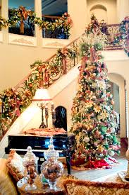 Small Picture Ideas to Decorate Stairs for Christmas Interior Decoration ideas