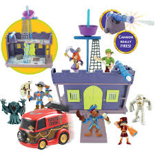 Scooby Doo Bedroom Accessories Scooby Pirate Fort And Figure 7 Pack Walmartcom