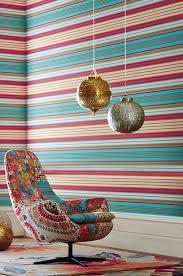 Jugendzimmer für mädchen mit einem schlichten möbelstil können sie mit farbigen wänden aufpeppen. Applying Wallpaper Horizontally Blog Inspiration Wallpaper From The 70s