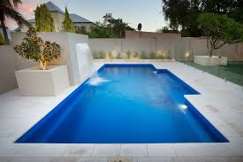 concrete and fibreglass swimming pools 10 things to ask your pool builder