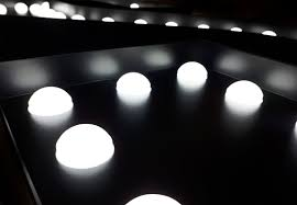 Opvallen Met Led Bulb Reclame Letters Benelux Sign Systems