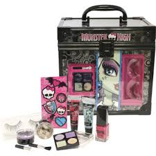 monster high makeup kit. this monster high make up cosmetic vanity case is available at toys r us! # makeup kit