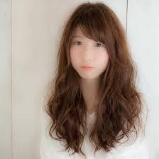 丸顔さんにおすすめおしゃれなロング髪型ヘアアレンジ103選 Folk